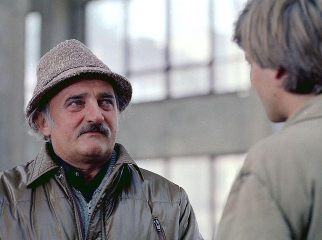 Seriál třetí patro (1985)